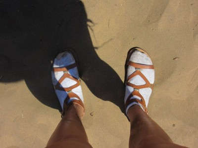 Yes this happened. Desperate times call for desperate mesures. The sand was burning my feet when we went sandboarding!